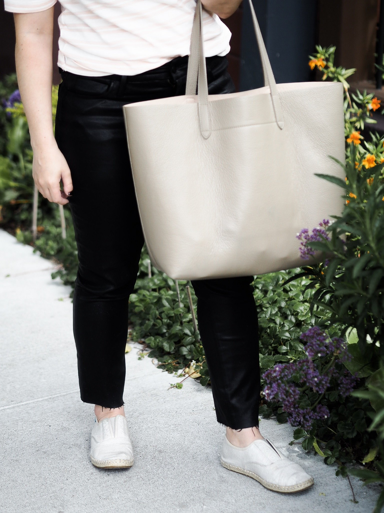 cuyana-structured-tote