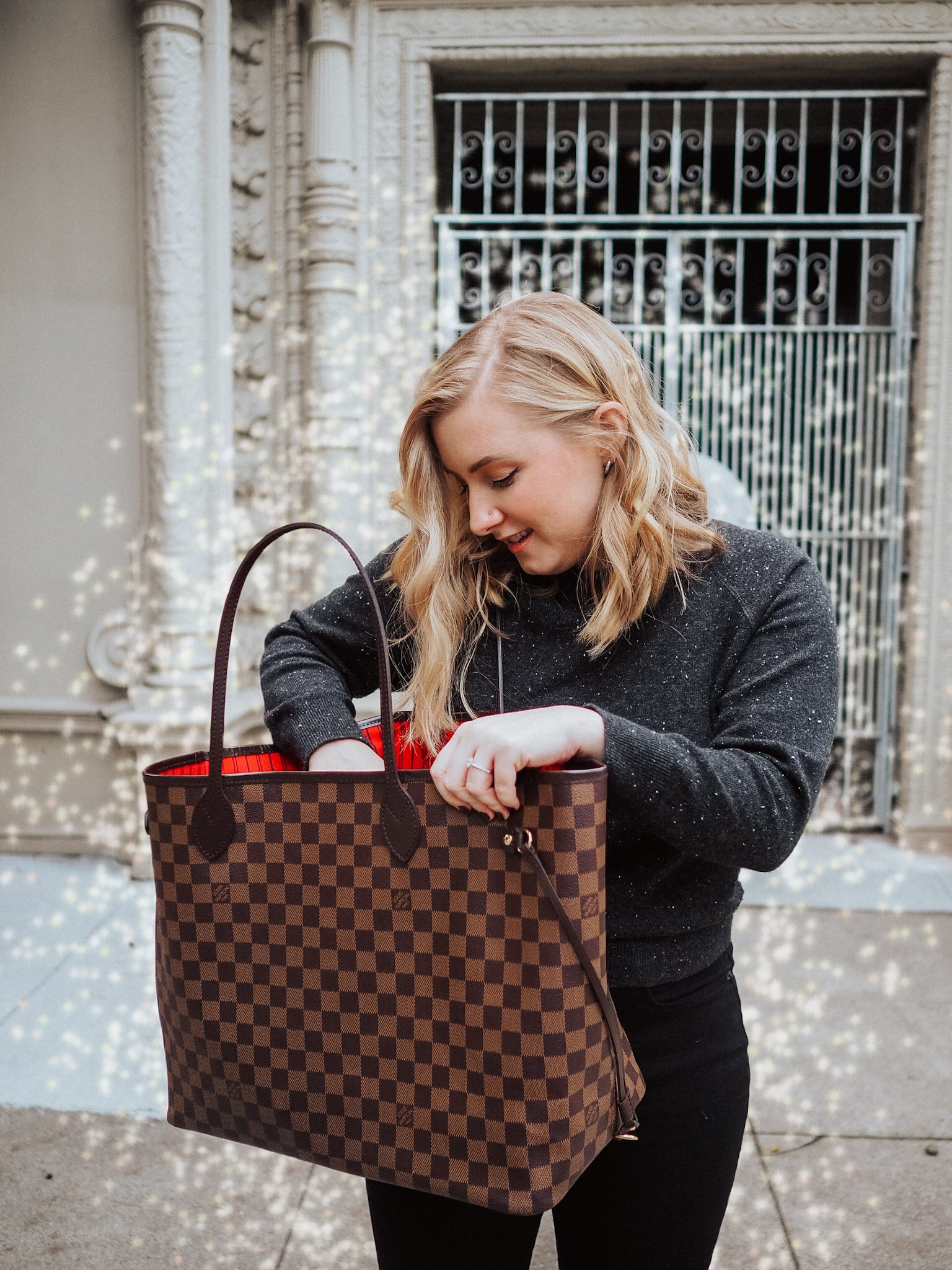 Lifestyle blogger Kelsey from Blondes & Bagels recommends the best Neverfull dupes on the market!