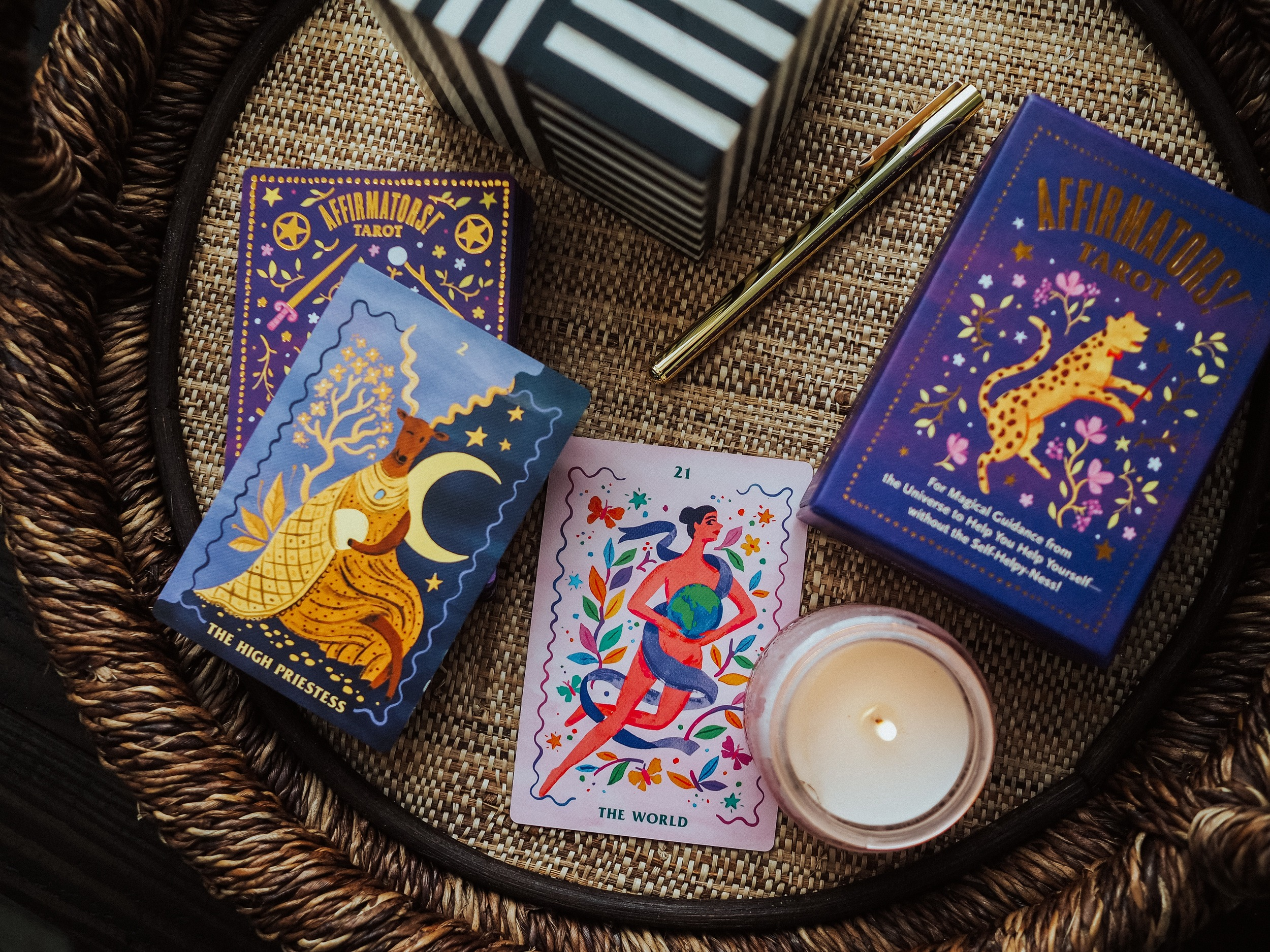 Kelsey from Blondes and Bagels shares her favorite easy, simple, one card tarot spreads for beginners In this blog post. Learn tarot here!