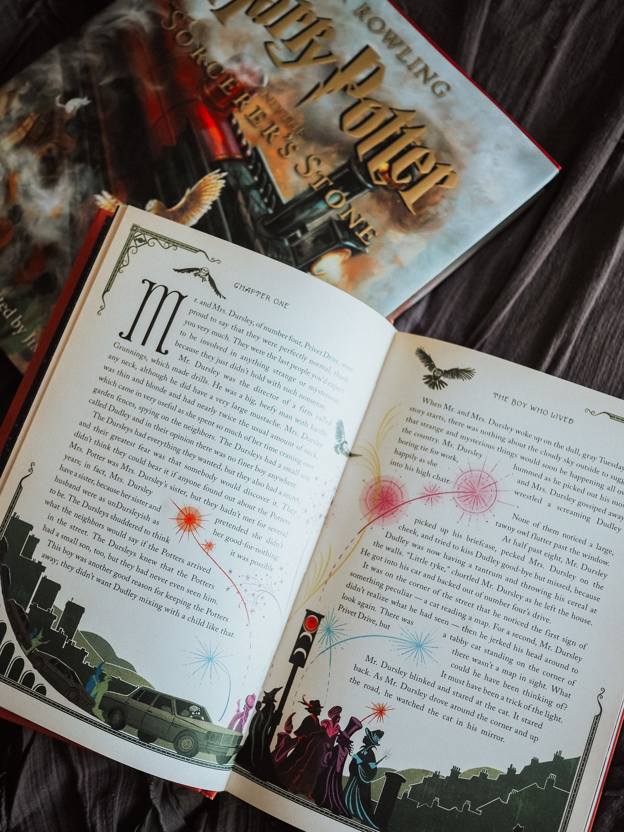 Kelsey from Blondes and Bagels reviews the best Harry Potter illustrated books for yourself - or as gifts for your Potter loving friends!