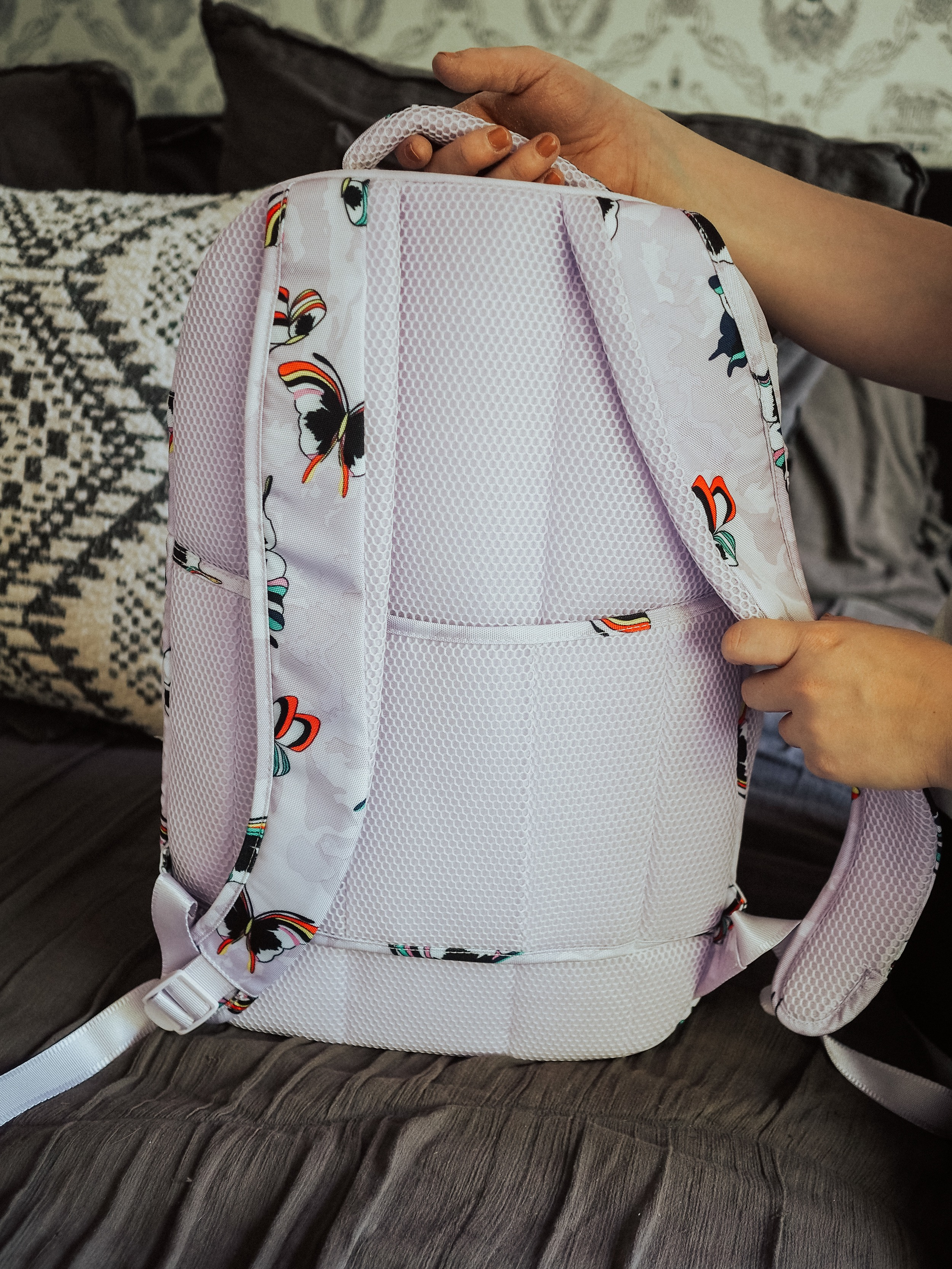 Kelsey from Blondes & Bagels reviews the best backpacks for women. These backpacks are comfortable, affordable, and durable.