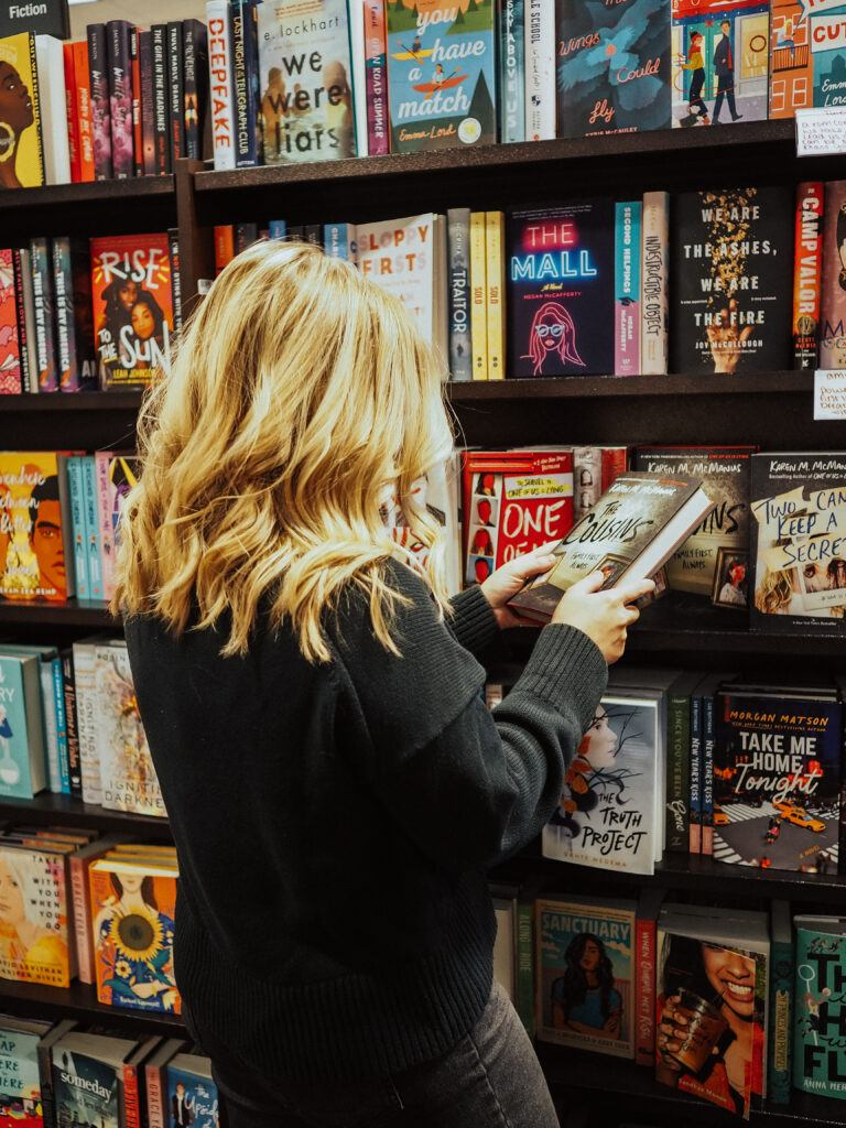 Crush your reading goals by starting your own online book club! Follow these tips to make sure your book club goes off without a hitch.